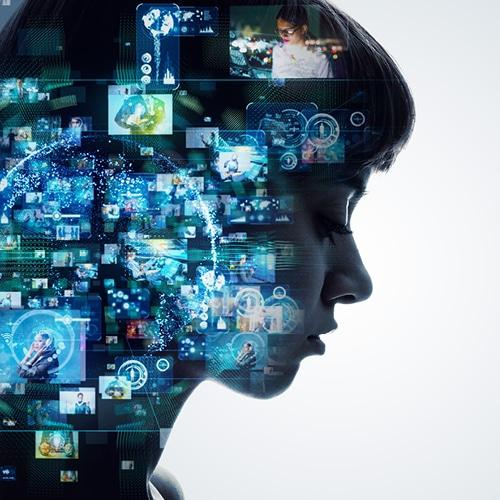 femme communication digitale